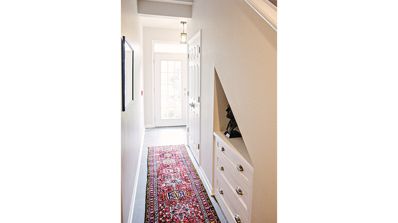 Drake-hallway-800x450.jpg